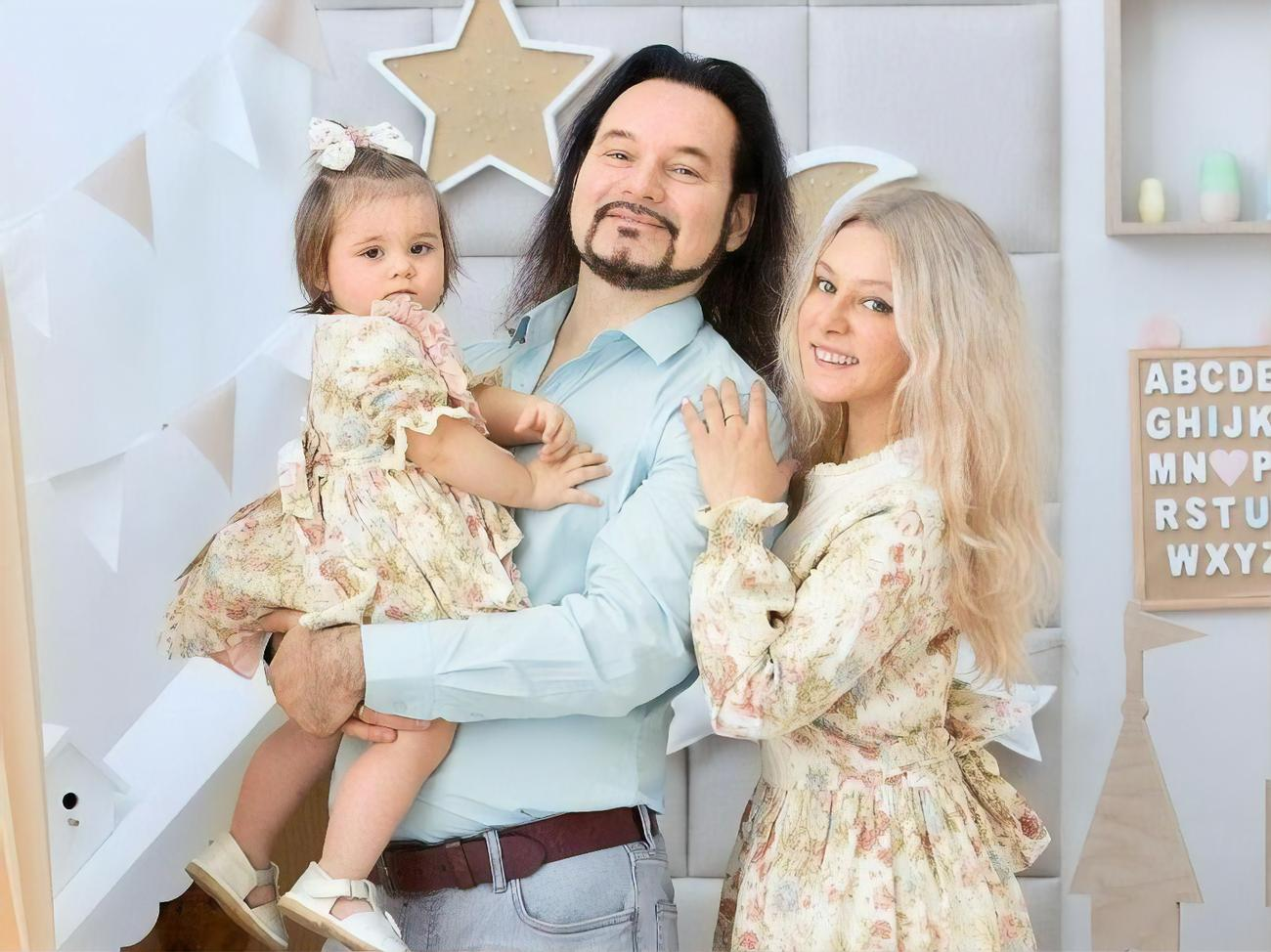 Вдова солиста «Хора Турецкого» Бориса Горячева родила дочь спустя три месяца после смерти мужа