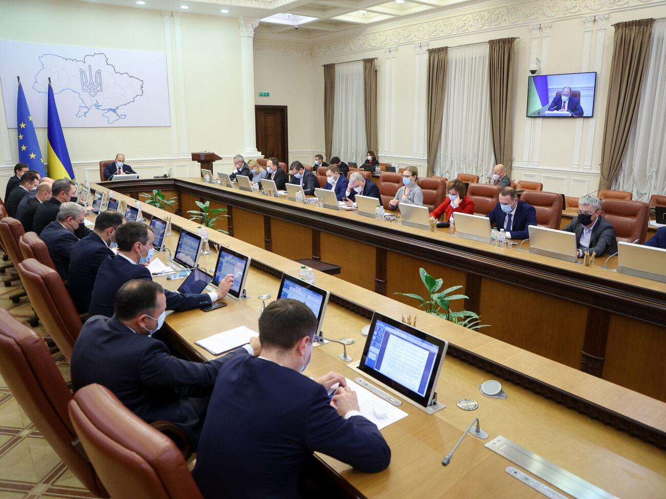 Стефанчук заявил, что пока нет оснований говорить о каких-то кадровых изменениях в Кабмине, кроме отставки Абрамовского